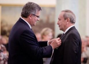 Prof. Czesław Waszkiewicz odznaczony Krzyżem Oficerskim Orderu Odrodzenia Polski