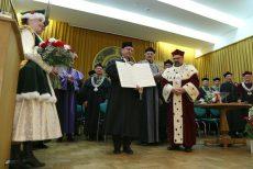 Profesor Czesław Waszkiewicz uhonorowany tytułem doktora honoris causa SGGW w Warszawie