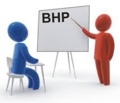 Podpisywanie umów oraz szkolenie z BHP dla I roku studiów niestacjonarnych